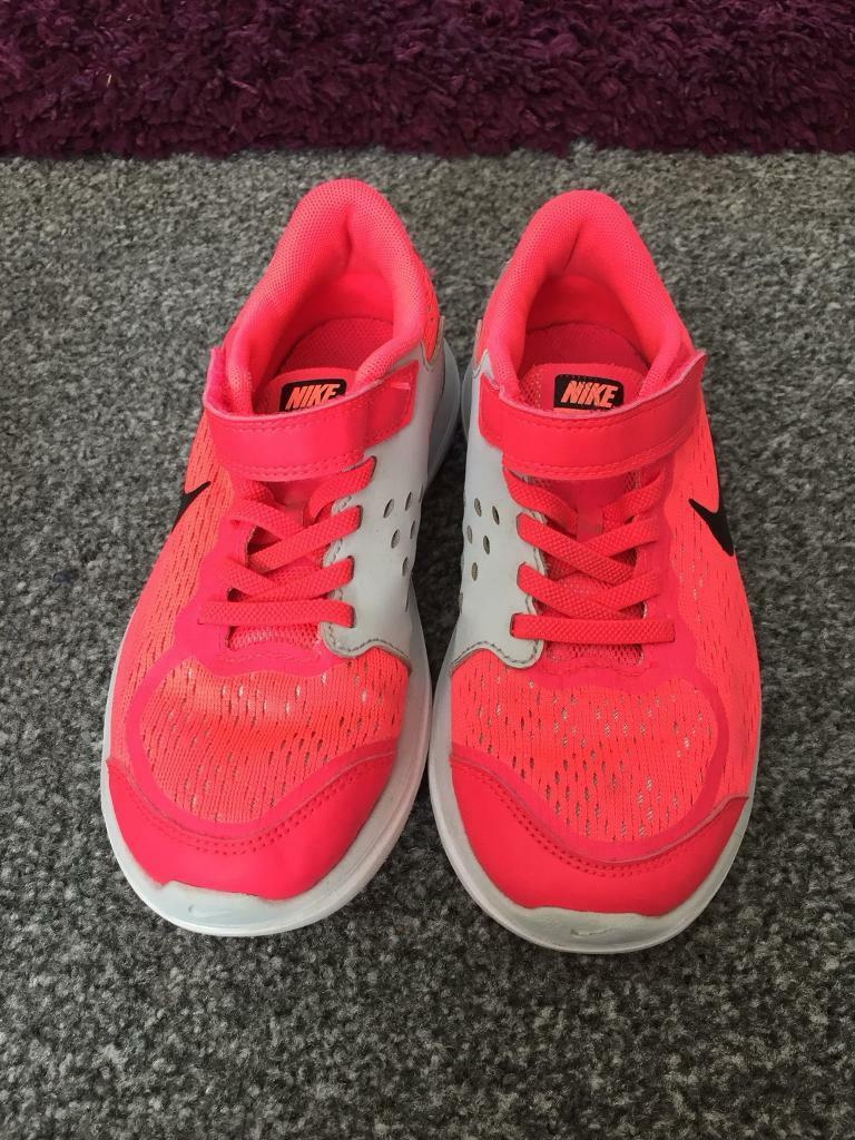 1a96d448334e Girls Nike trainers - size 1