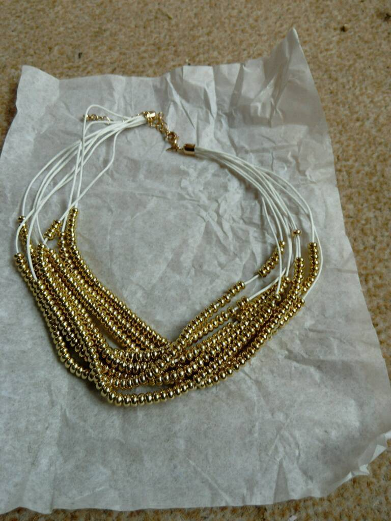 Mandy necklace - white