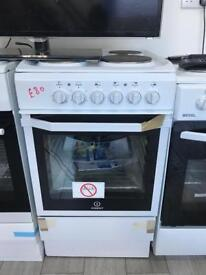 New Indesit 50cm cooker with solid hobs