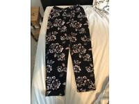 Dorothy Perkins flowery trousers (size 10)