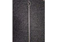 Silver extendable curtain pole 6 n half foot / 9 ft