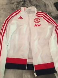 Boys Addidas Manchester United training top Age 9-10