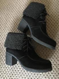 Bellissimo ladies suede ankle boots size 5/38