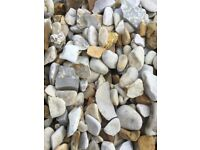 20 mm York cream garden and driveway chips/ gravel/ stones