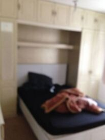 Neasden, single room from £100 pw, one month rent in advance no deposit