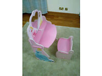Pink girl's Disney princess dressing table, excellent condition