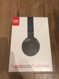 UNOPENED BEATS Solo 3 Wireless Headphones, Gloss Black