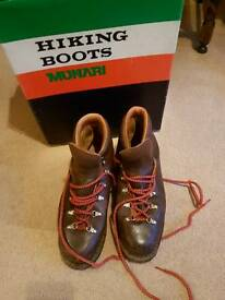 Men's hiking boots size 10 1/2