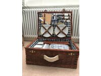 Picnic hamper for x 4 never been used