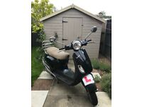 Vespa Piaggio 50cc 2006 Black with chrome side protection and chrome rear carrier