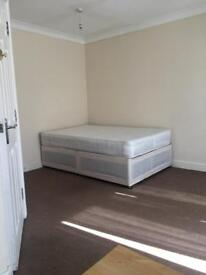 Ensuite room amazing condition off Shirley road