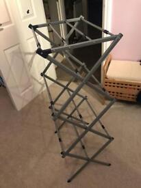 Foldable and Expandable Washing airer