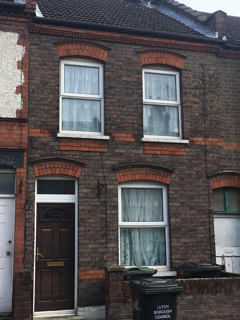 2 Bed House For Rent In Luton