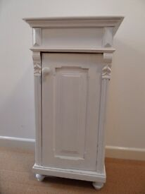 VINTAGE SHABBY CHIC PAINTED FRENCH PINE CUPBOARD/LAMP TABLE