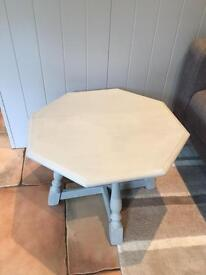Gorgeous coffee or Occasional Table