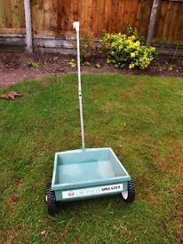 ICI Lawnsman Lawn Spreader Fertiliser Weed & Feed Moss Treatment