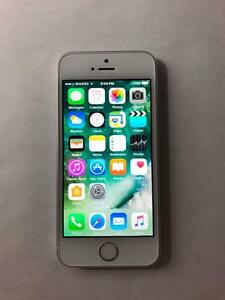 ROGERS Silver 16GB iPhone 5S (A+ Condition) w/ Original Box -- BUY LOCAL!! -- [8871]
