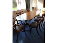 Dining table (extendable), 6 chairs & 2 carvers