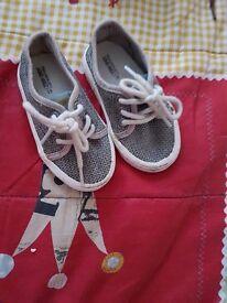 Zara baby shoes size Eu19