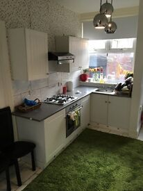 Furnished all inclusive low deposit double room to let levenshulme suits to a female