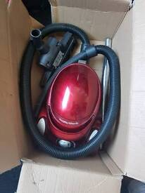 Morphy Richards Fully working High power Vacum Cleaner only £40 collection only.