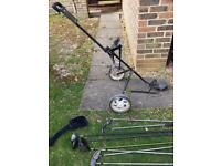 Full set men's right hand golf clubs and golf trolley