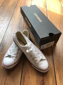 White size 3 converse dainty
