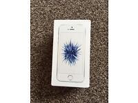 IPHONE SE 16GB SILVER UNLOCKED LIKE NEW