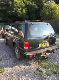 Ford Explorer North face. Front end crash damage. 106,000 miles genuine 2001
