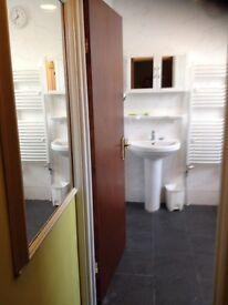 Comfortable and spacious single room
