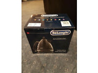Black DeLonghi KBJ3001 Kettle - Brand new