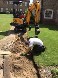 Mini digger and operator for hire in West Sussex, Surrey and Hampshire