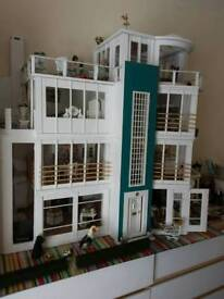 MALIBU BEACH DOLLS HOUSE