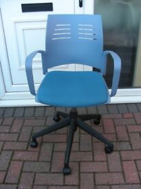 Office Arm Chair Blue Padded Seat Swivel Gas Lift Height Adjustable on Casters Student