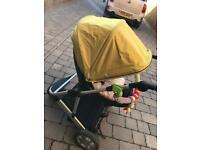 Mama & papa travel system with isofix car seat base
