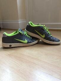 Mens / teenager NIke trainers