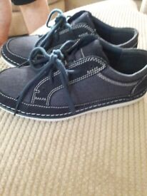 Mens casual shoes size 7 excellent