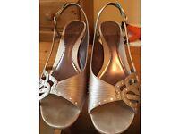 K by Clarks satin gold diamond detailed sandal size 6