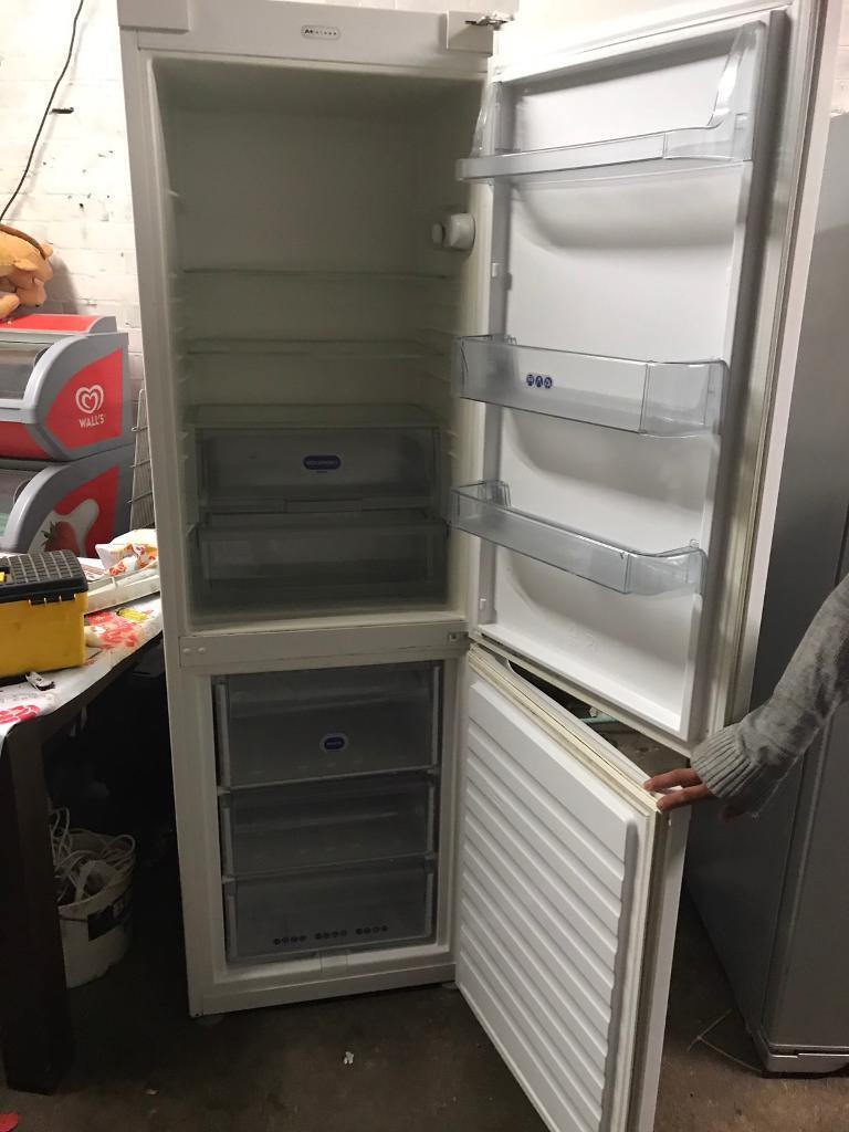 Whirlpool standing fridge freezer £100
