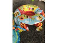 Inflatable baby seat / toy nest