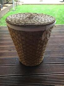 Wicker basket with lid and cotton lined laundry storage