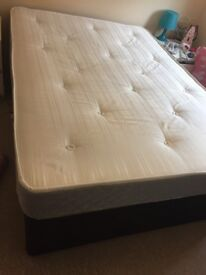 Double bed with divan with 2 drawers