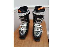 Ladies Salomon Energyzer 70 Divine ski boots. Size 25.5.