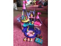 Disney princess little people Cinderella castle with extra figures