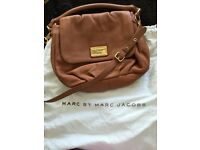 Marc Jacobs preloved handbag with dust bag (super clean and no fault)