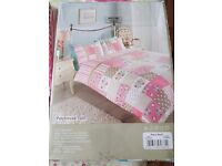 Cutains and duvet set