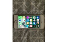 Mint Condition iPhone SE 16gb O2