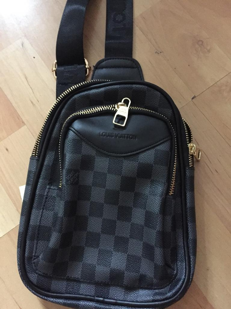 Mens Louis Vuitton Messenger Bag