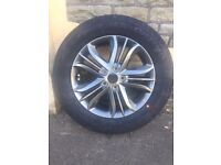 Hyundai Alloy Wheel and Tyre