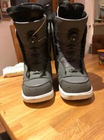 Vans (aura) snowboard boots